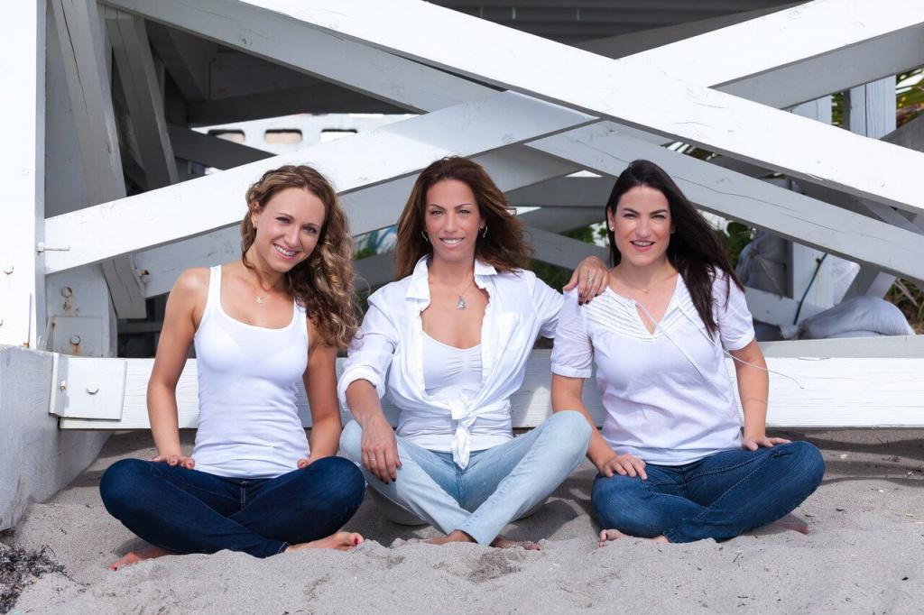 In Love With Fitness team: Anna Veretennikova, Patty Hernandez, Ivette Russo